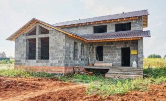 Дома из арболита: особенности материала, преимущества арболитовых домов